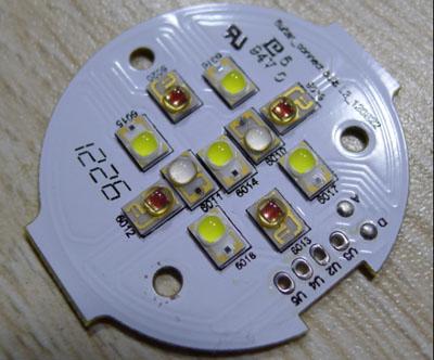 Philips HUE E27 LED nyák szétszedve